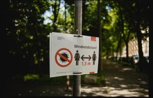 Social Distancing Sign In German