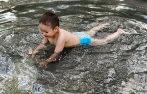 Can a 1 year old Learn to Swim