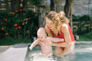What Are Mommy And Me Swim Lessons and 3 Amazing Benefits